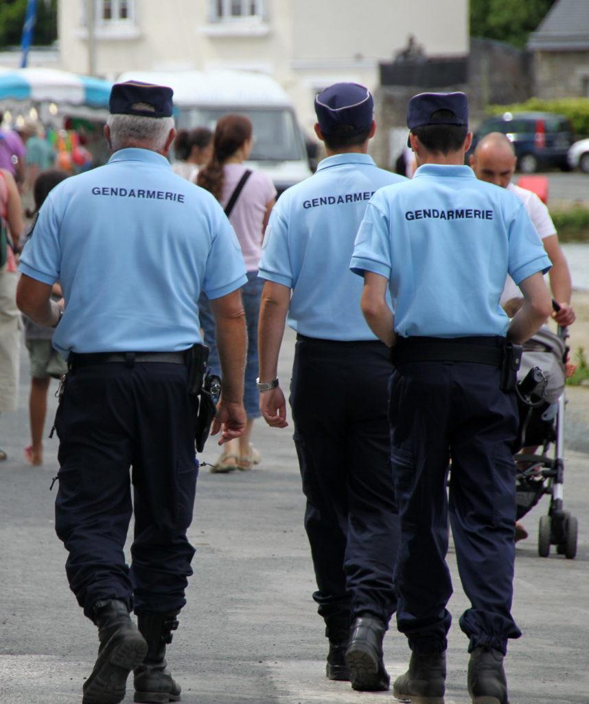 gendarmerie nationale gendarme gendarmes france enseignement devenir gendarme. Black Bedroom Furniture Sets. Home Design Ideas